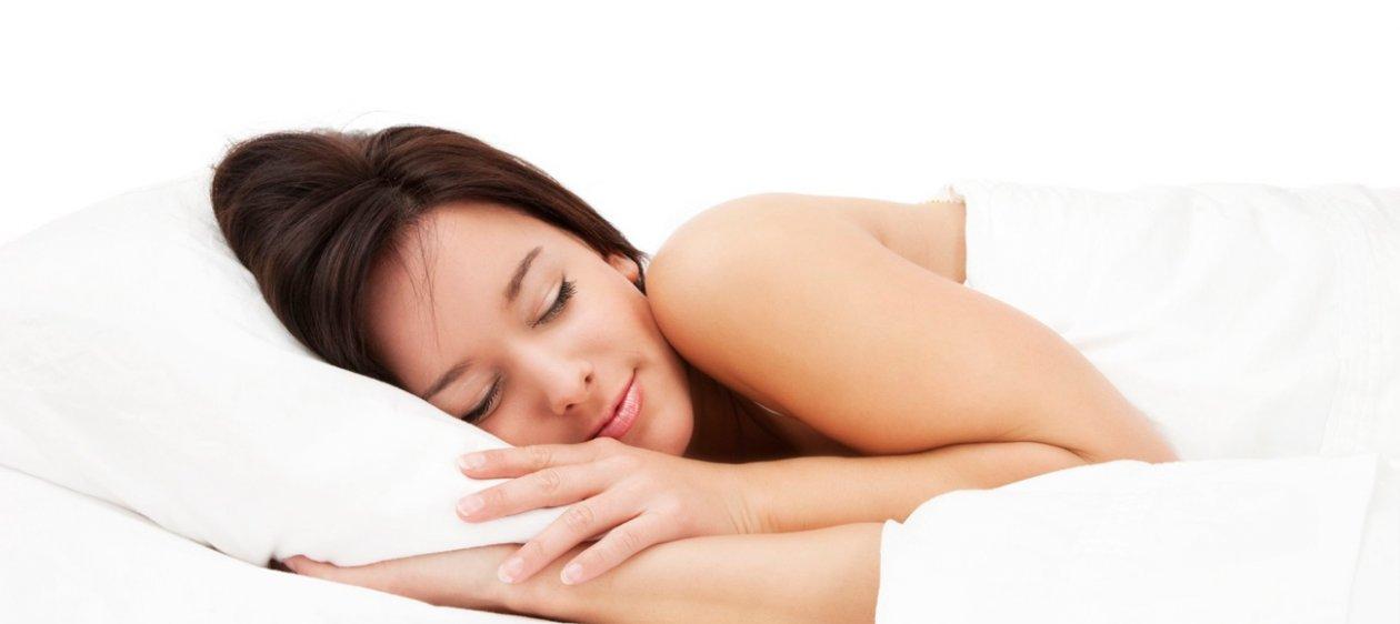 f02eff9d98 Adiós pijama! Estos son los beneficios de dormir desnuda