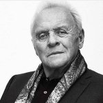 Anthony Hopkins está convertido en todo un galán latino